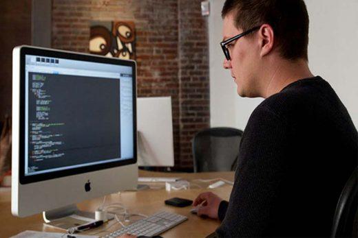 hiring an online freelance web designer